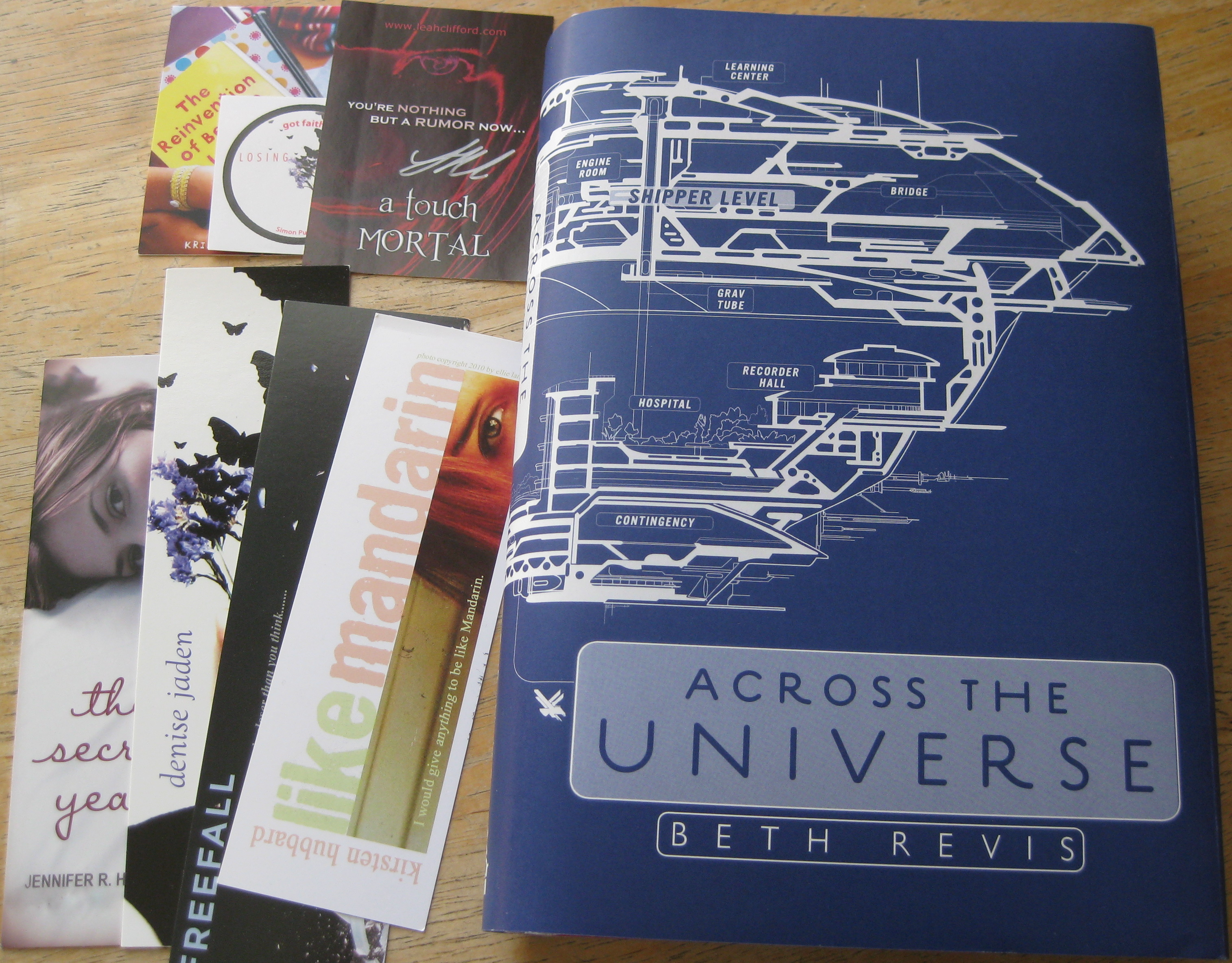 Giveaway: Across The Universe by Beth Revis